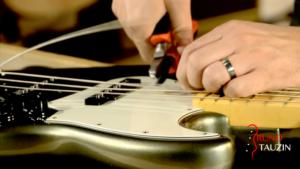 basse, bassiste, tuto, apprendre, cours, video, changer, cordes, débutant