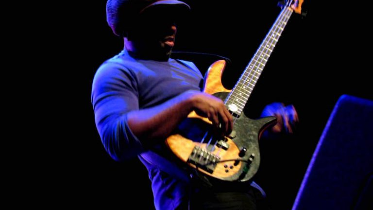Victor Wooten, basse solo, slap, the lesson