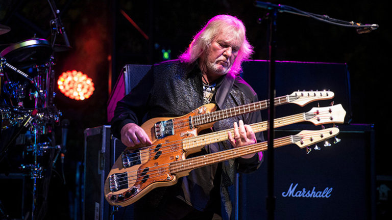 chris squire, basse, bassiste, yes, rock, roundabout, rickenbacker